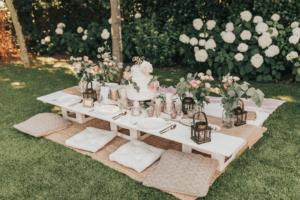 Picknicktisch Holzlaternen